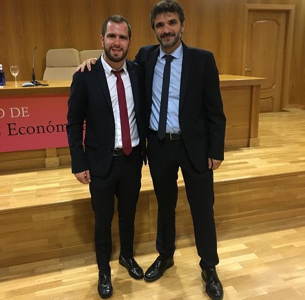 Los investigadores de la UGR Juan Sánchez y Luis Alberto Casado, autores de este trabajo.
