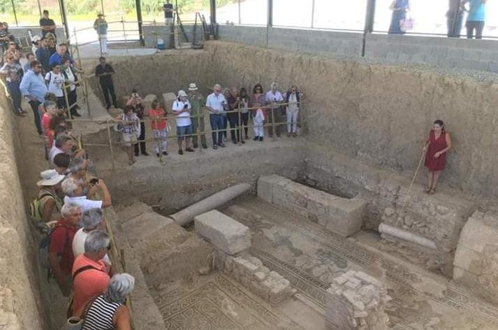 Cada vez más público visita la Villa romana de Salar.