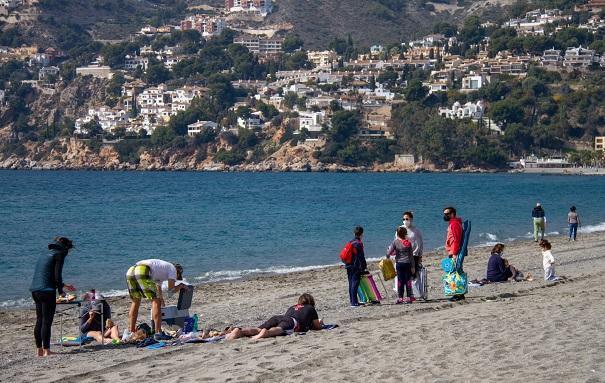 Playa sexitana, este sábado 20 de febrero.