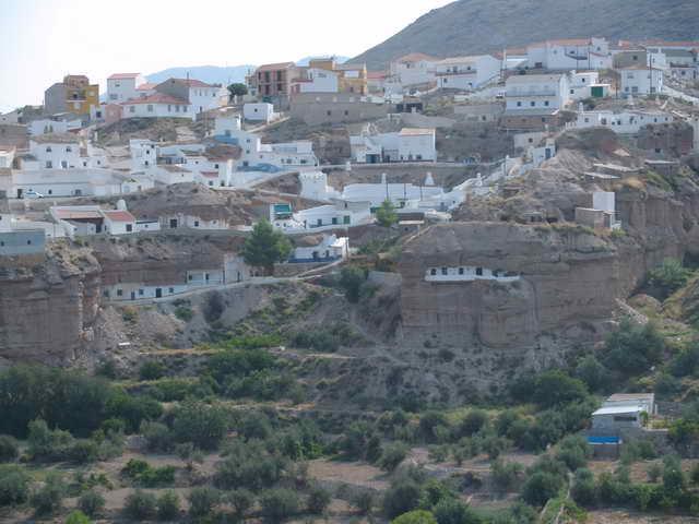 Casas cueva en Freila.