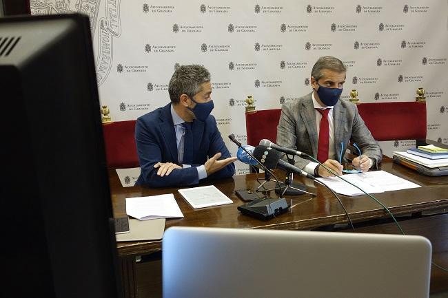 Manuel Olivares y César Díaz, este viernes en rueda de prensa.