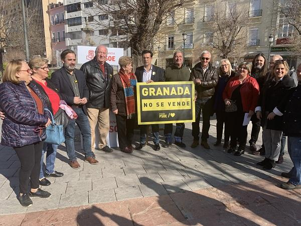 Los socialistas han presentado la campaña 'Granada no se vende'.