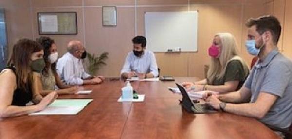 Reunión con los representantes de los centros comerciales abiertos.