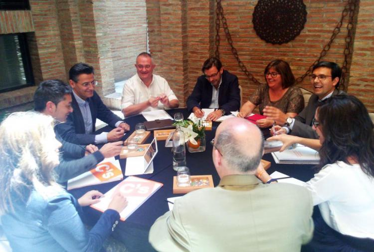 Segunda reunión entre delegaciones del PSOE y Ciudadanos.