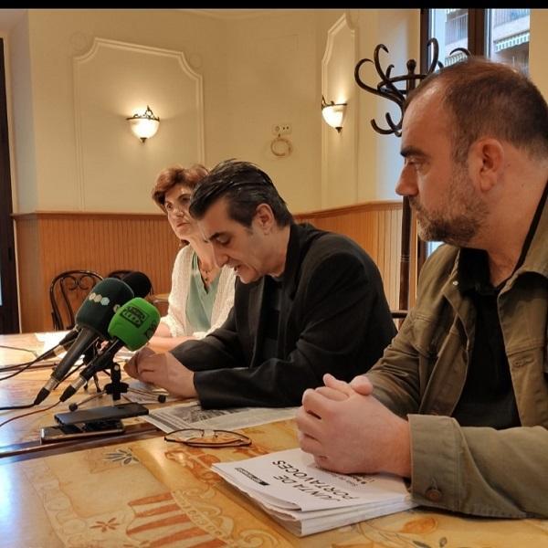 Antonio Cambril flanqueado por Francisco Puentedura y Elisa Cabrerizo.