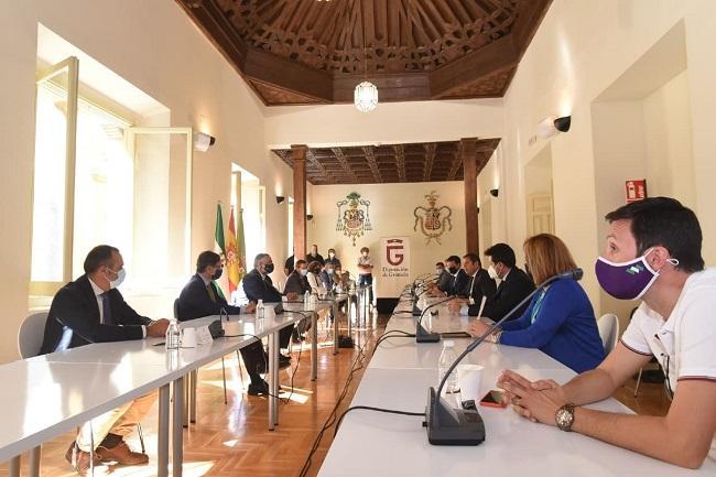 Firma del manifiesto sobre el Corredor Mediterráneo.