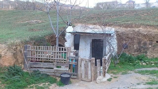 Una de las cuevas del Cerro de San Miguel.