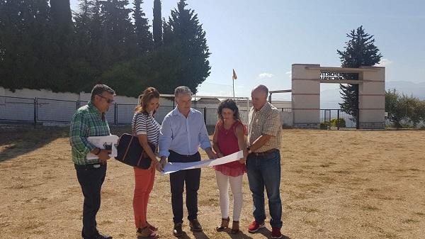 Villegas, durante su visita a Diezma.
