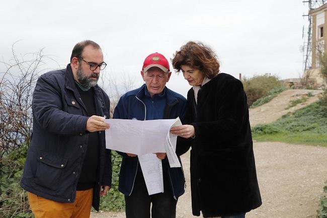 El portavoz vecinal con los ediles Francisco Puentedura y Elisa Cabrerizo.