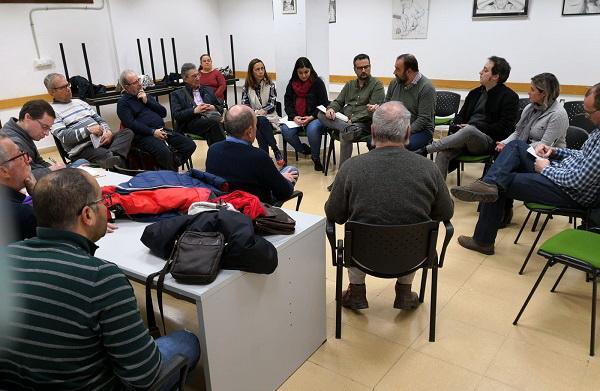 Encuentro en el Centro Cívico de La Chana.
