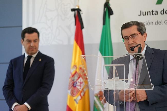 José Entrena y Juan Manuel Moreno, este viernes.