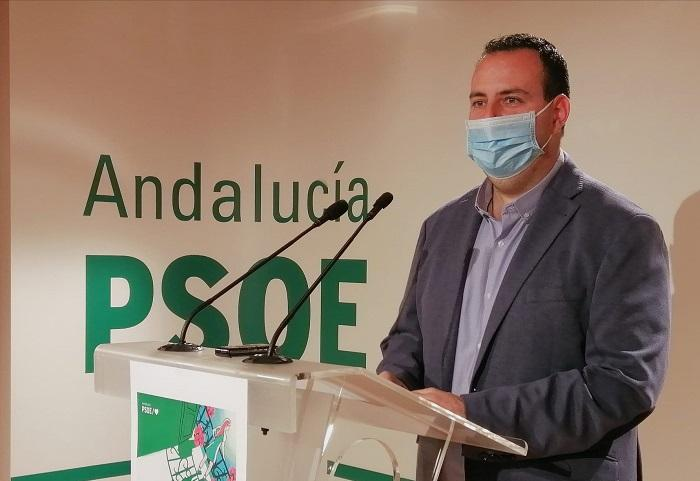 Álex Casares, en rueda de prensa.