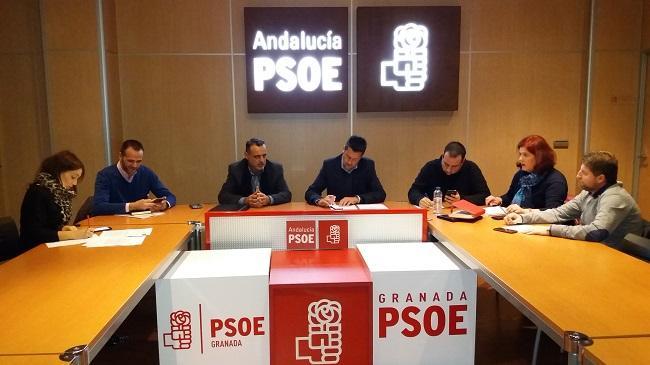 Reunión entre los representantes del PSOE y de la asociación Jusapol.