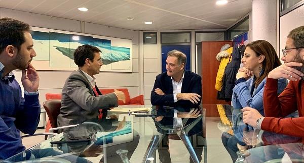 Cuenca y los ediles del PSOE con Jesús Ibáñez, director de Cetursa.