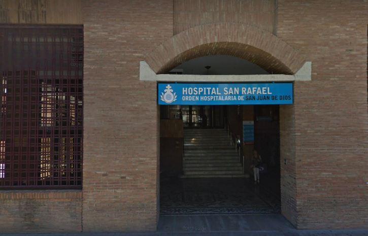 Entrada al Hospital de San Rafael.