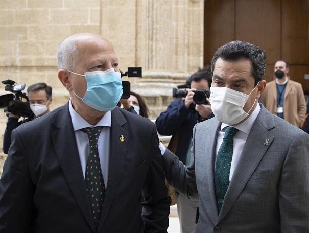Imbroda y Moreno, este jueves en el Parlamento.