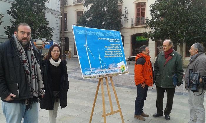 Campaña de IU para mejorar la calidad del aire en Granada.