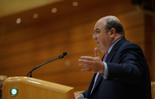 José Robles durante una intervención en el Senado.