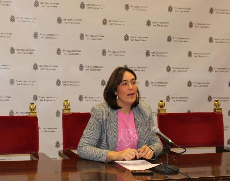 María Francés.