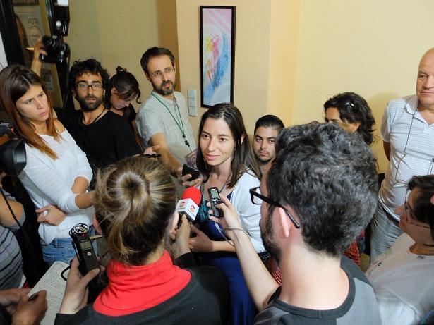 Marta Gutiérrez, atiende a los medios.