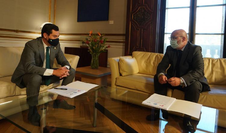 Juan Manuel Moreno y Alejandro Hernández, portavoz de Vox, este miércoles en San Telmo.
