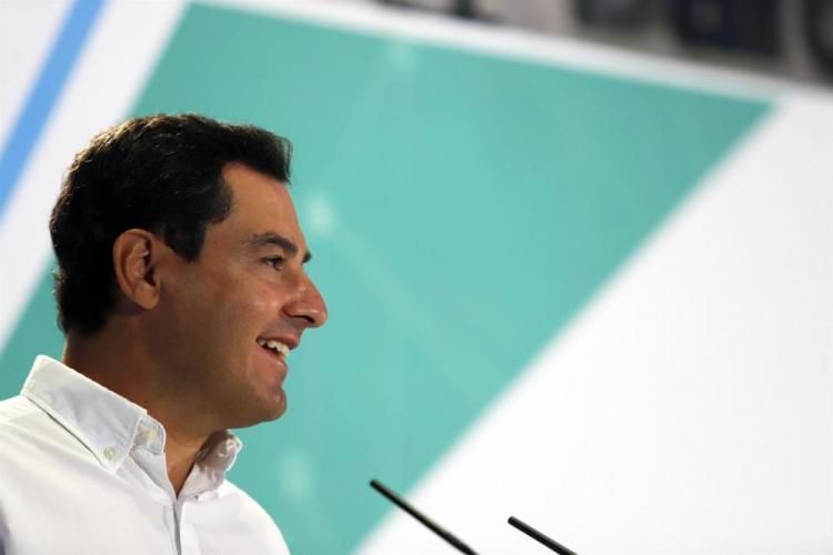 Juan Manuel Moreno, este sábado, en el Consejo de Alcaldes del PP andaluz.