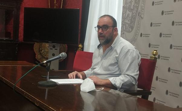 Paco Puentedura.