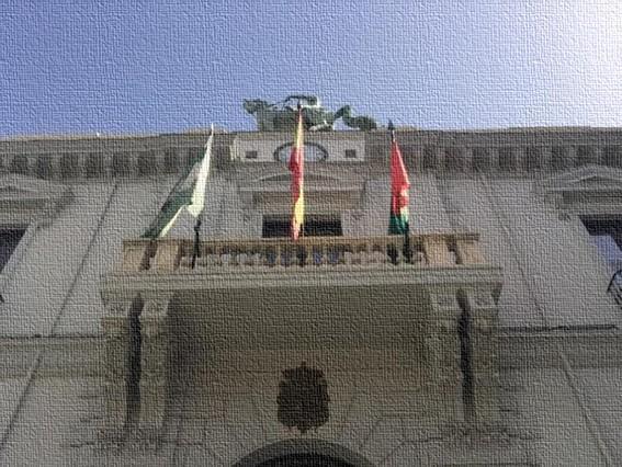 Detalle de la fachada del Ayuntamiento de Granada, en la Plaza del Carmen.