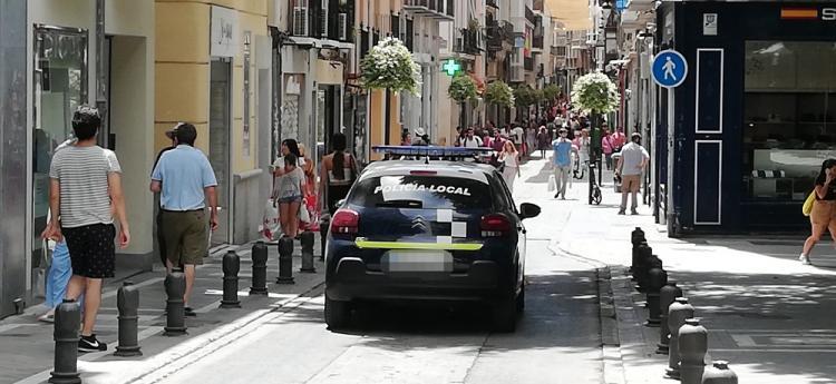 La gestión del bipartito en la Policía Local arranca con ceses controvertidos.