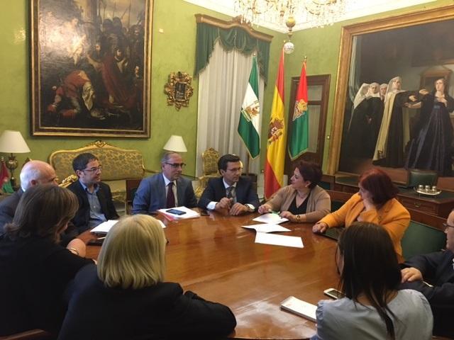 Reunión entre el grupo parlamentario socialista y el gobierno local.