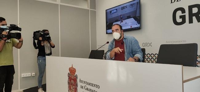El concejal Francisco Puentedura, en rueda de prensa este jueves.