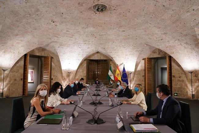 Imagen de la reunión del Consejo de Gobierno en junio de 2020 en la Alhambra.