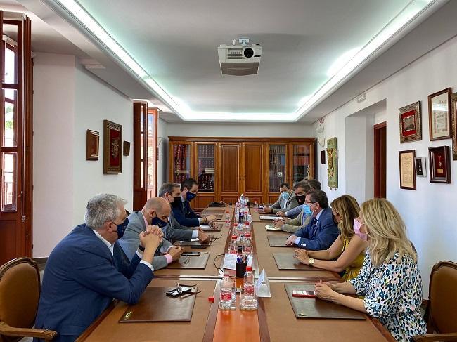 Reunión de los ediles del PP con el Colegio de Abogados.