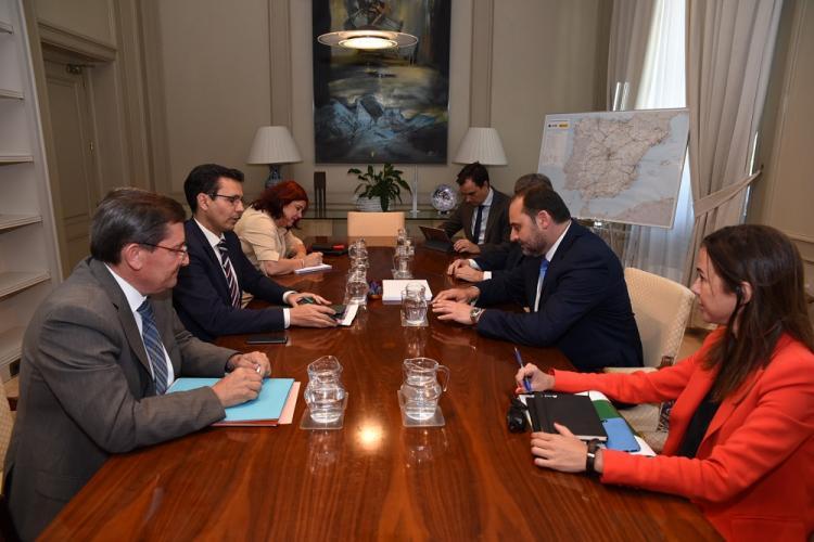 Reunión en Madrid con el ministro de Fomento, el secretario de Estado de Infraestructuras y la presidenta de Adif.