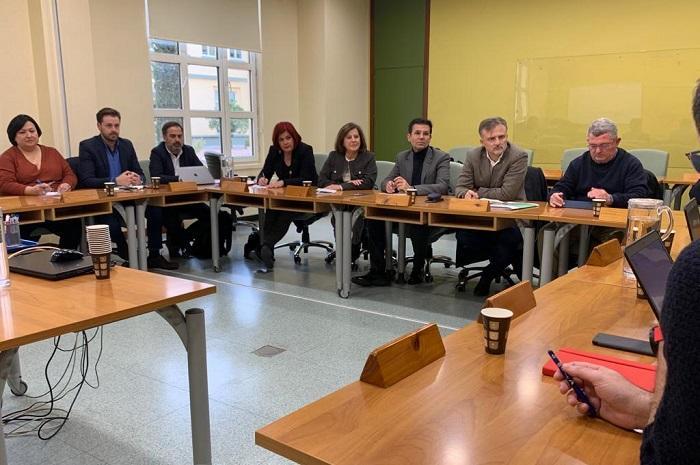Representantes del PSOE en su reunión con el comité de empresa de la EASP.