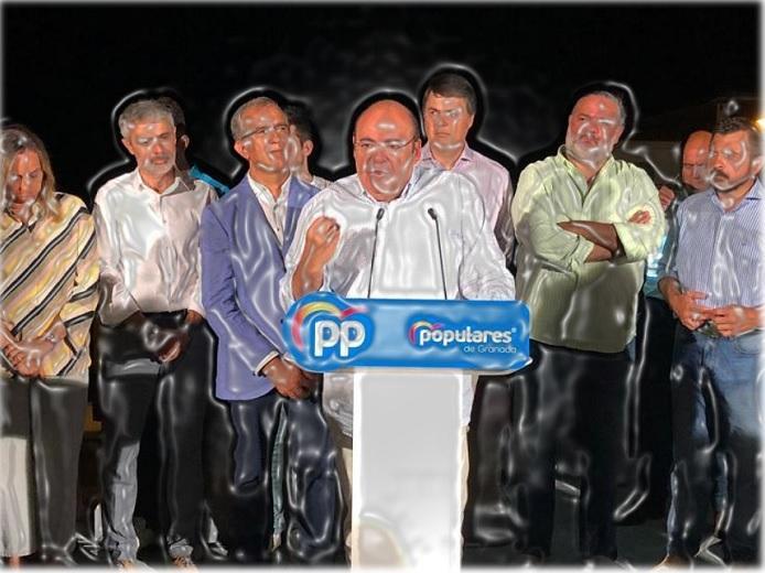 Imagen retocada del acto en el que el 22 de agosto de 2019 amenazó con romper el pacto de gobierno municipal.