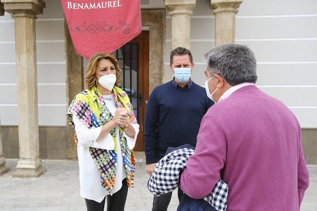 Susana Díaz en una reciente visita a Benamaurel.
