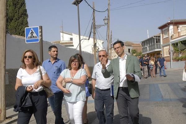 El alcalde, este miércoles en una visita a la Lancha de Genil.
