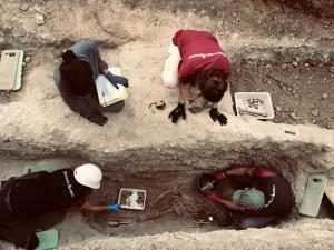 Imagen del proceso de exhumación en la fosa de Nigüelas.