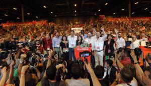 Pedro Sánchez junto a nuevos dirigentes del PSOE.