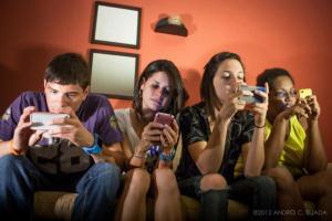 'Aislamiento' habitual entre adolescentes.