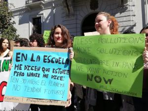 Participantes en la movilización de este viernes en Granada.
