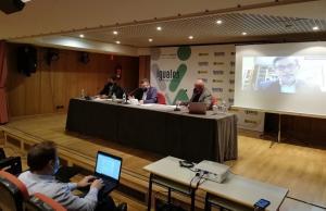 Una de las dos mesas de la Jornada  'Transición Energética en las Ciudades. Obstáculos y retos para tener ciudades sostenibles y seguras'