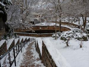 Fuente Grande o de Aynadamar ,en Alfacar, nevada.