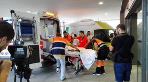 Traslado del primer pacientes al Hospital del PTS en julio pasado.