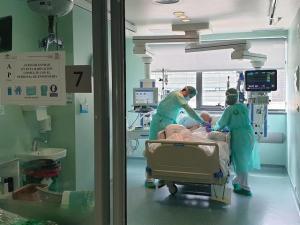 Imagen de archivo de una UCI del Hospital del PTS.