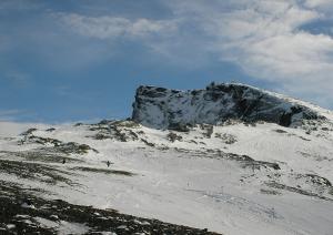 Vista del Veleta, con parte de su cara norte.