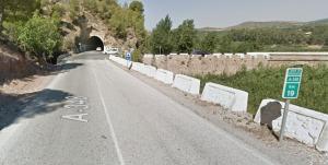 El accidente ocurrió en el km 19 de la A-348, a la altura de Los Tablones.