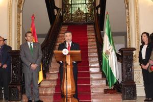 El nuevo subdelegado del Gobierno, en presencia de Antonio Sanz.