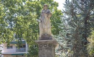 Monumento a Mariana Pineda en Granada.